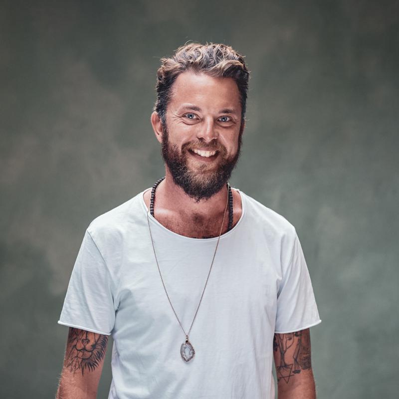 Bijzondere intense yoga Daniel Maciejewski